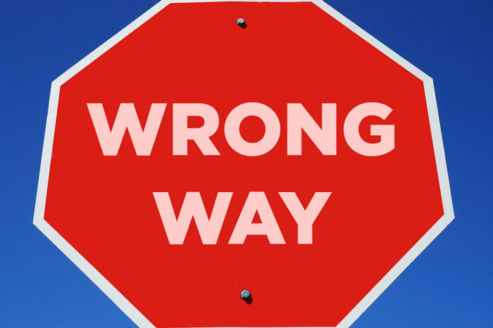 what should you know about the wrong way sign